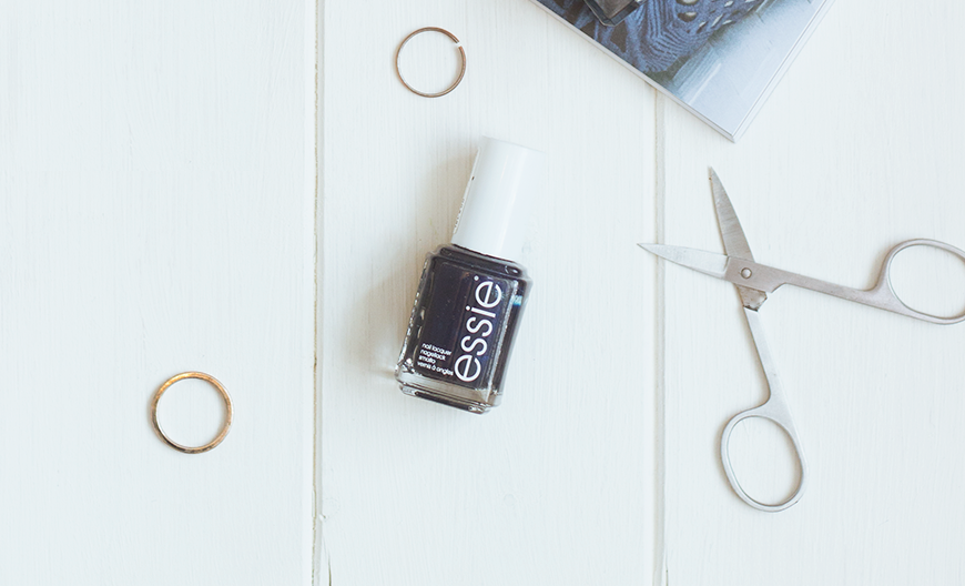 The Autumn Nail Polish Picks Essie Midnight Cami