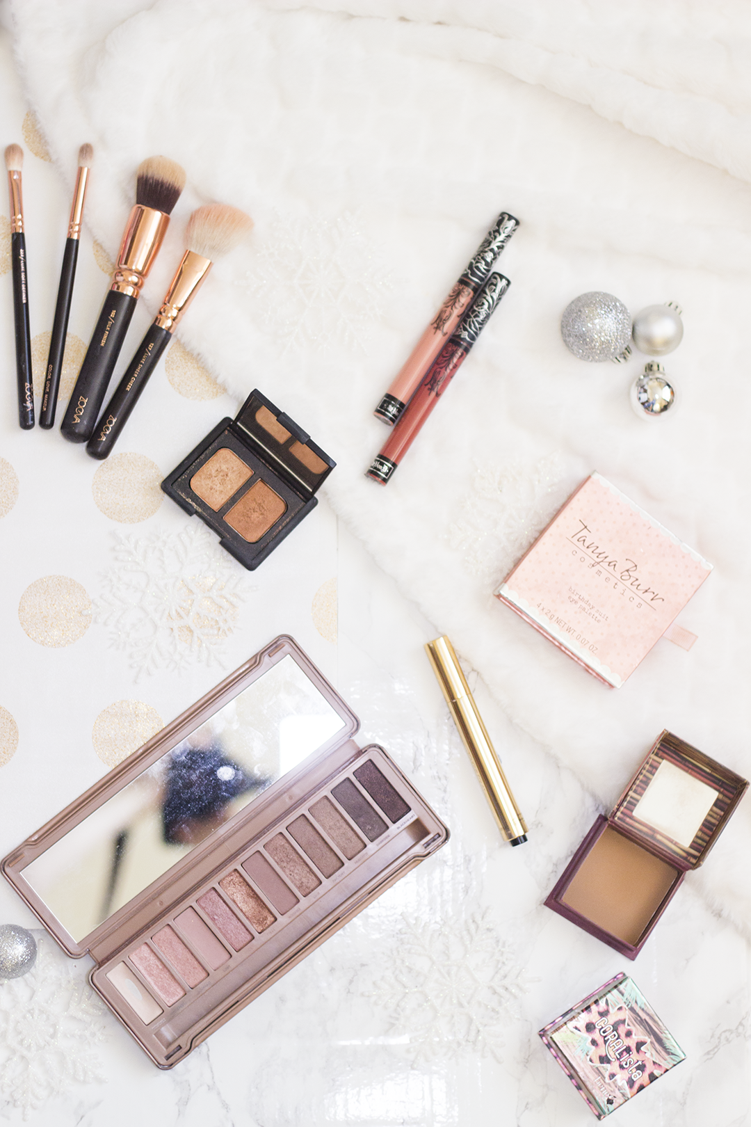Makeup That Makes The Perfect Gift